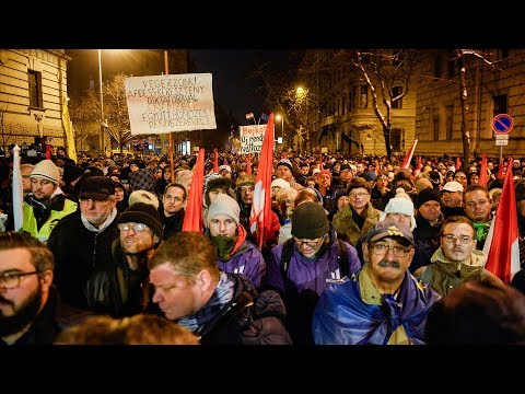 Anti-government protests continue for fourth day in Budapest, Hungary
