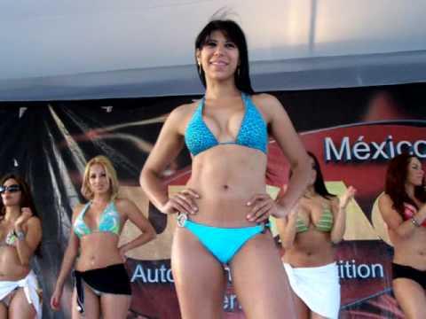 Edecan de corona mexico mamando - 4 2