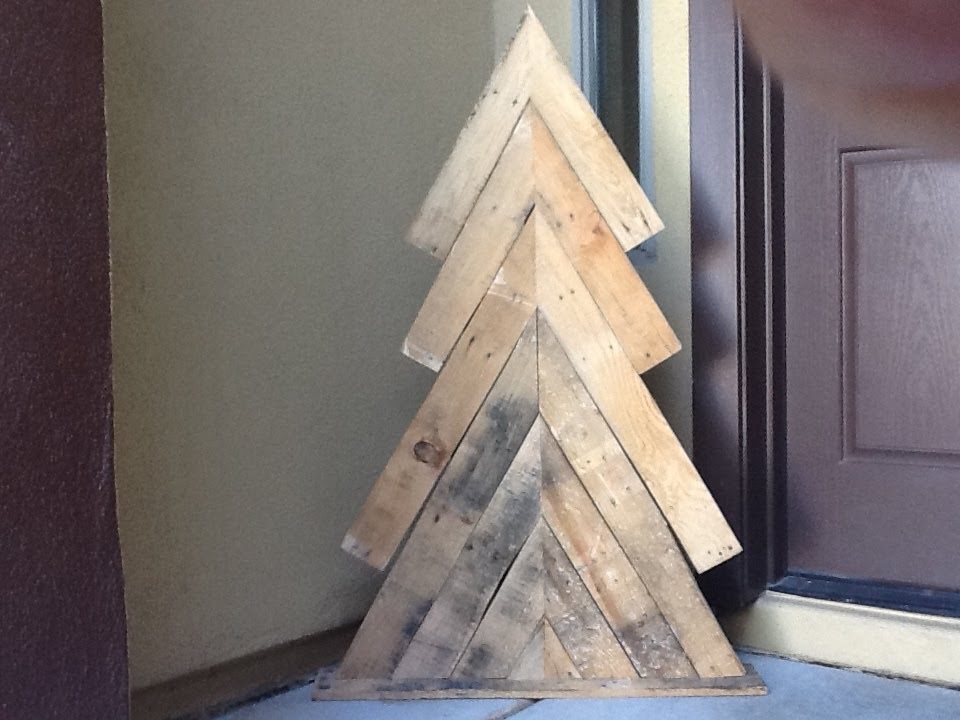 diy pallet wood christmas tree how to rustic xmas decor holiday decoration youtube