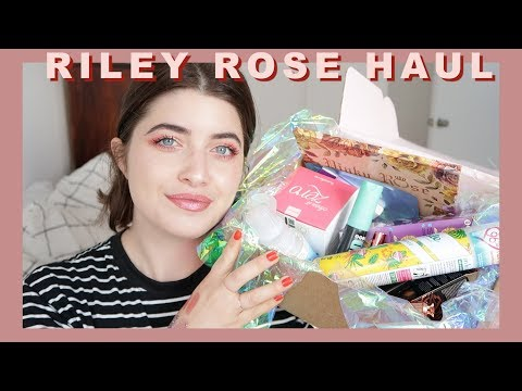 HUGE BEAUTY HAUL! Everything You See On Instagram! | Riley Rose Unboxing