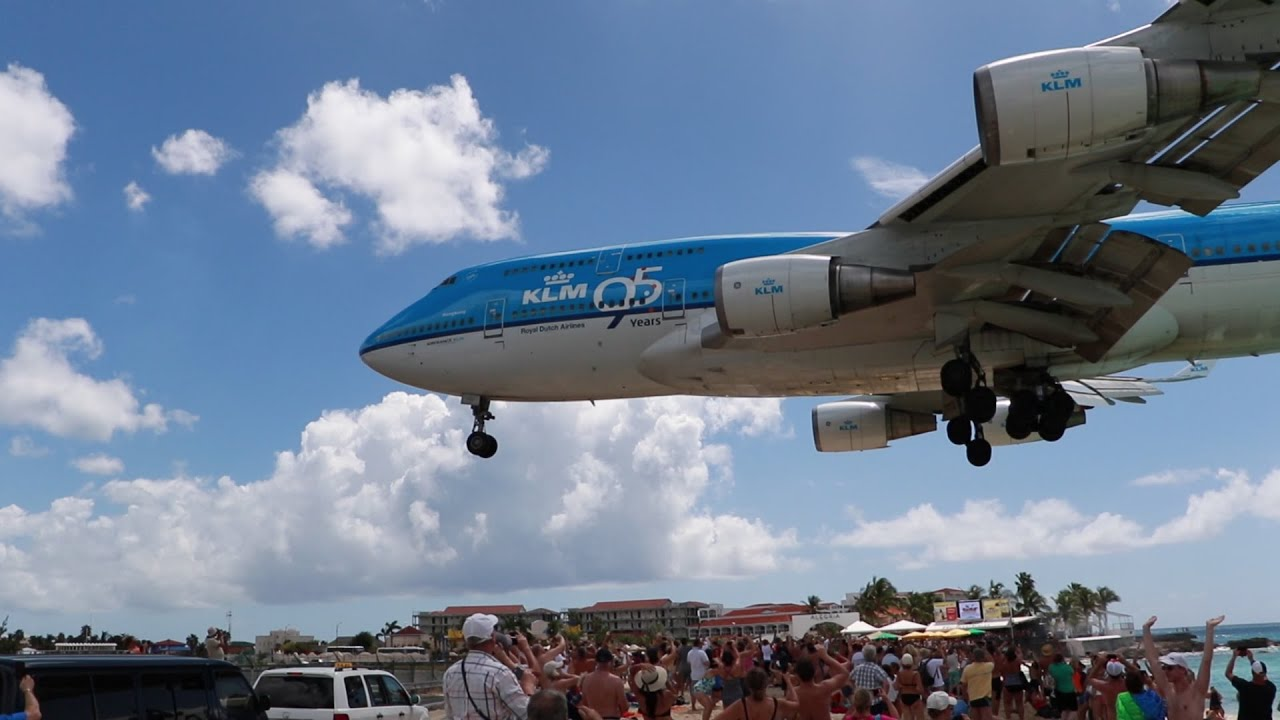 KLM Boeing 747 Plane Landing/Takeoff at SXM St Maarten/St ...