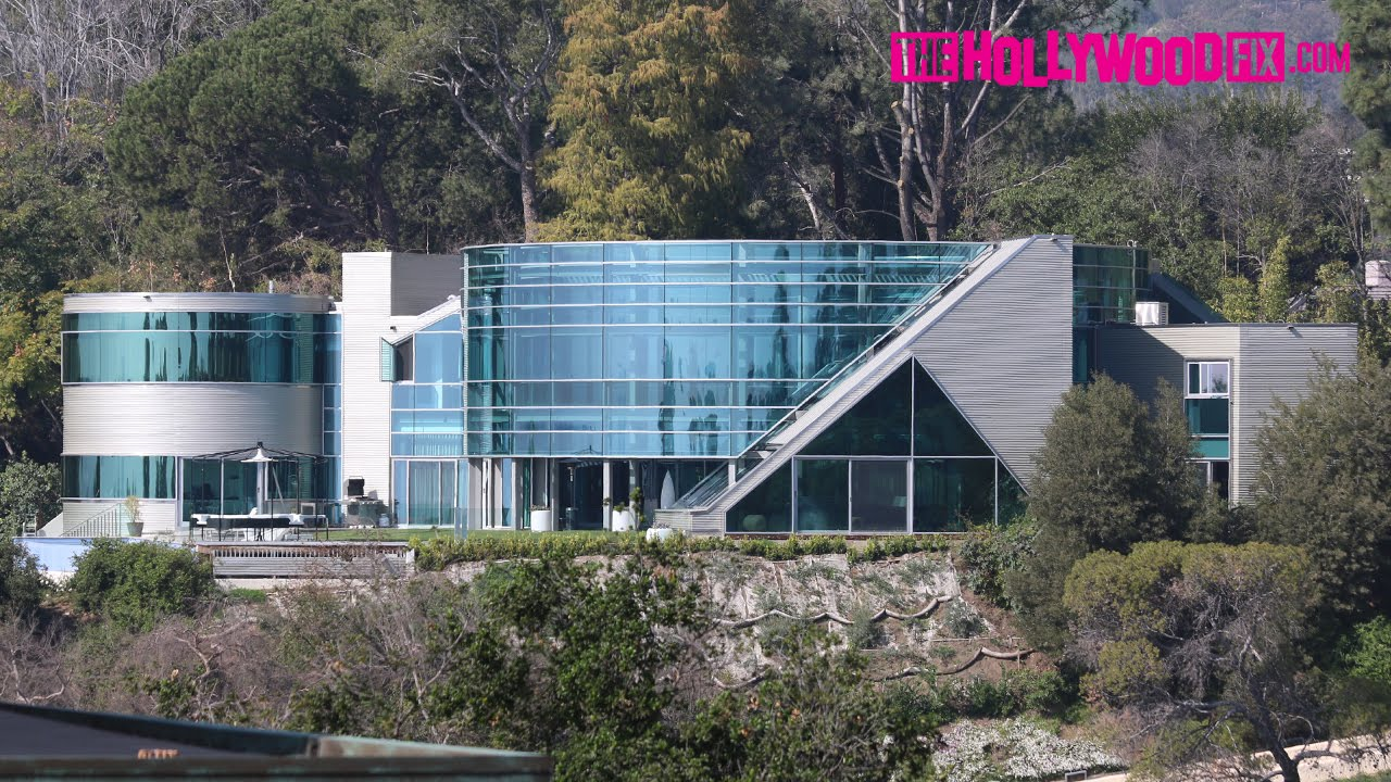 Justin Bieber's Glass Mansion Turned Into Film Set 2.17.15 ...