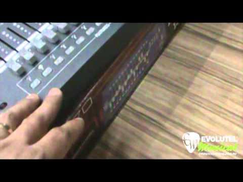 Teste de Iluminação na Evolutel Musical - Mesa DMX Chauvet Obey 70 -  evolutelmusical.com.br 476b3b95a28