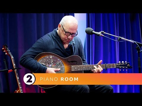 Mark Knopfler  Romeo and Juliet Radio 2 Piano Room