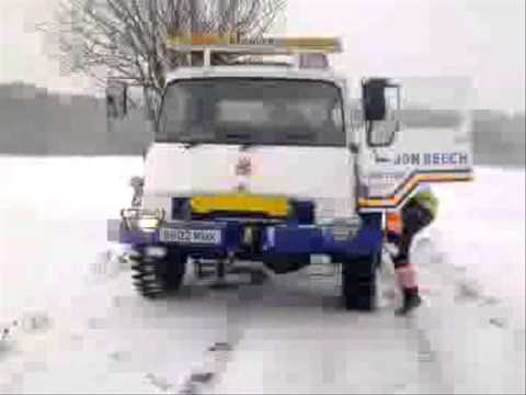 Jon Beech Recovery - Heavy recovery of rolled over tanker using 2 Bedfords in the snow