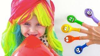 Keysha Bermain Mengisi Air Dalam Balon Daddy Finger Nursery Rhymes | Learn Colors With Balloons #2