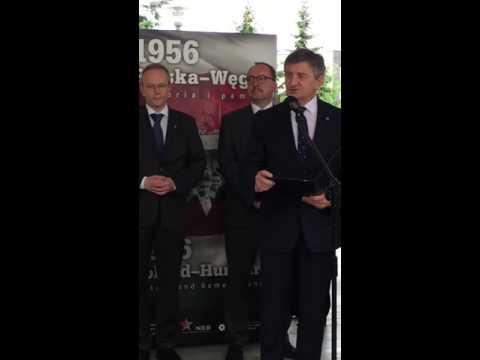 """Sejm: otwarcie wystawy """"1956 Polska - Węgry"""", marszałek Sejmu Marek Kuchciński"""