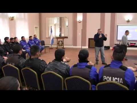 Capacitación en RCP a la policía de la ciudad