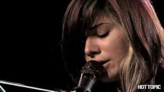 "Hot Sessions: Christina Perri ""Jar Of Hearts"""