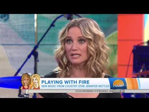 Jennifer Nettles - Hey Heartbreak and Interview - Today - May 16, 2016