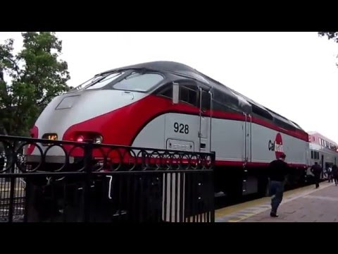 GM EMD Diesel Locos in Action : CALTRAIN at Sunnyvale & San Francisco stations of California, USA