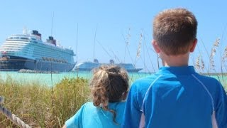 DISNEY DREAM PASSING DISNEY FANTASY AT CASTAWAY CAY