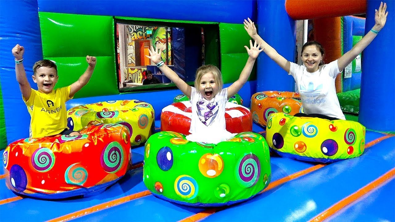 Diana and Roma play with Mom - Fun Indoor Playground for Kids