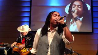 """Speech of Arrested Development performs """"Tennessee"""" with the Jericho Road Show"""