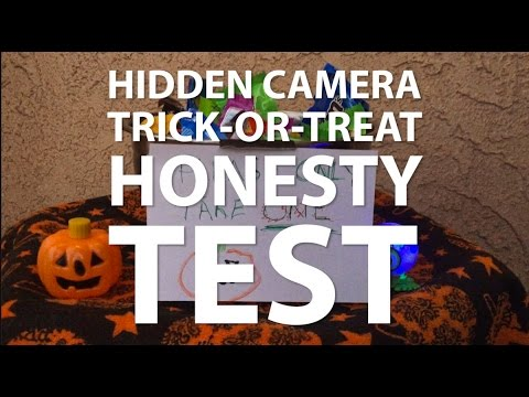 Hidden Camera Trick-or-treat Honesty Test