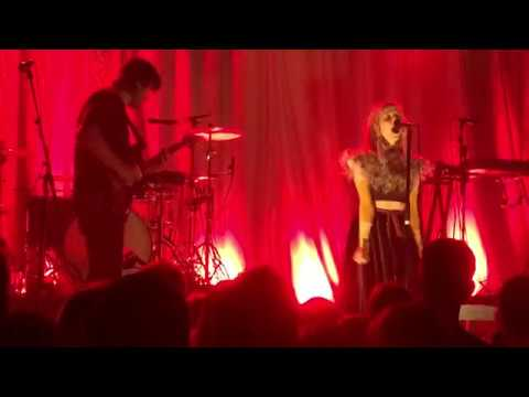 Aurora - Murder Song (5, 4, 3, 2, 1) - Melkweg-Amsterdam-The Netherlands 2018-02-28 mp3