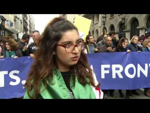 Protestë në Spanjë, në përkrahje të refugjatëve - Top Channel Albania - News - Lajme