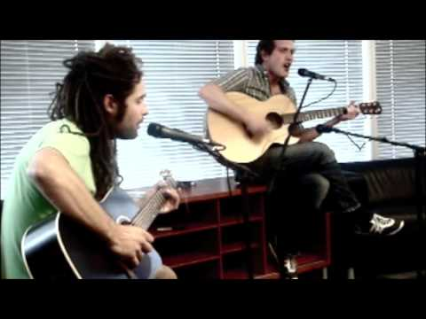 moneen-hold-that-sound-acoustic-dale-speaking