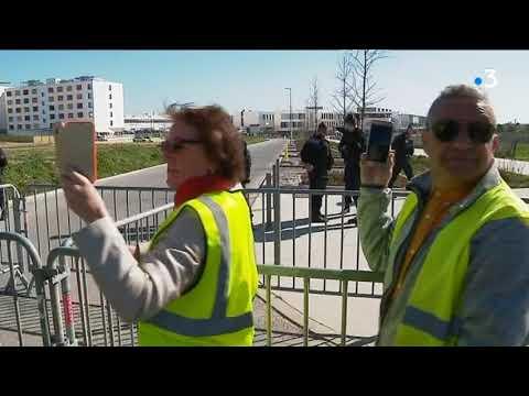 La Rochelle : des manifestants protestent contre la politique gouvernementale lors de la visite de Muriel Pénicaud - - France 3 Nouvelle-Aquitaine