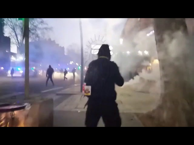aGas, your reporter has trouble breathing, GiletsJaunes YellowVests Toulouse, 11/01/20, live3cut12