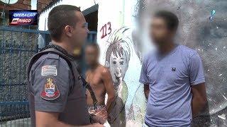 Traficante fica com medo em abordagem e revela droga escondida