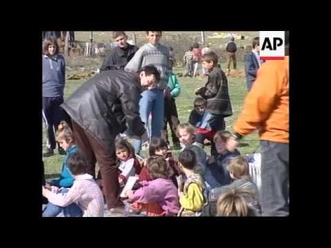 ALBANIA: KOSOVAR REFUGEE CHILDREN START SCHOOL