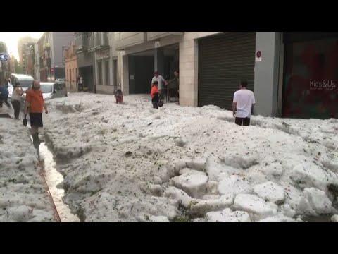 Una intensa tormenta inunda Girona