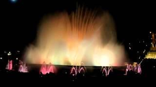 Копия видео Поющие фонтаны Барселоны(, 2015-01-04T15:43:22.000Z)