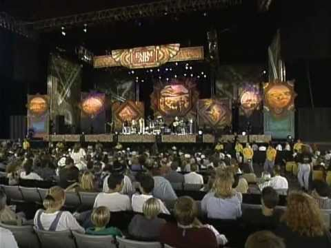 Billy Ray Cyrus - Achy Breaky Heart (Live at Farm Aid 1997)