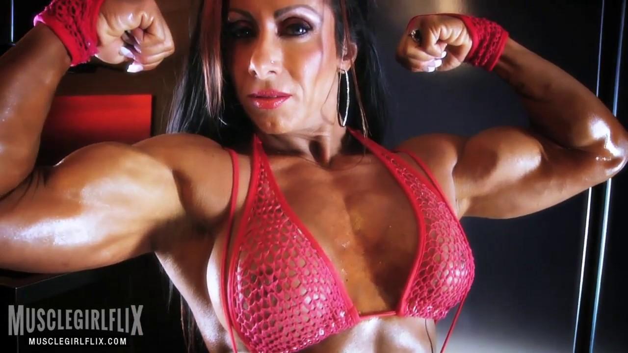 Thick Muscle Female Bodybuilder Flex