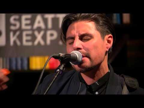 Low Roar - I'll Keep Coming (Live on KEXP)