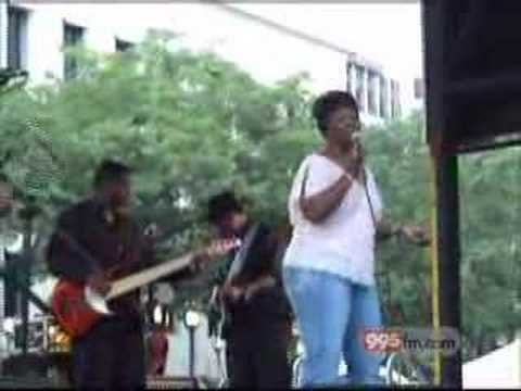 Irma Thomas in Lafayette Sq, New Orleans