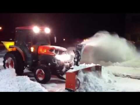 Snow Blower 24 >> Kubota L4740 with Snowblower & Spreader #2 - YouTube