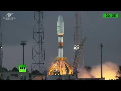 Internet for 'everyone' & 'everywhere': Soyuz rocket launches 1st OneWeb satellites