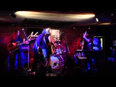 Neil Young debuts new song at Johnny D's (Somerville, MA) - 9/11/13