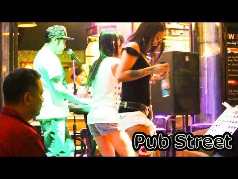 Siem Reap Night Life on Christmas | Pub Street in Cambodia