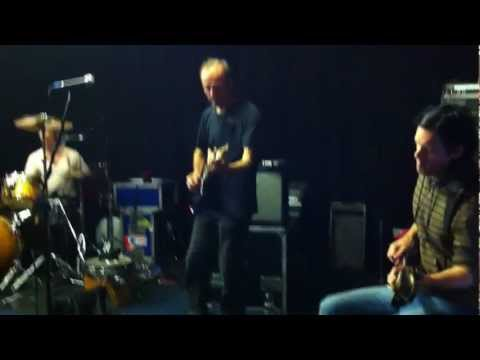 """Ash featuring Hugh Cornwell & Russell Lissack - """"No More Heroes"""""""