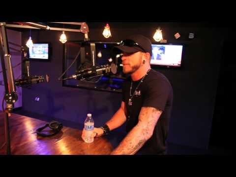 Brantley Gilbert tells us about some trouble at the airport on the way to the ACMs