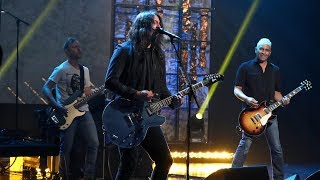 Foo Fighters Take 'The Line'