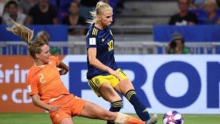 The USA beat England 2-1 to reach women's World Cup final