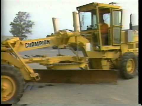 Operator Daily Maintenance of Motorgraders