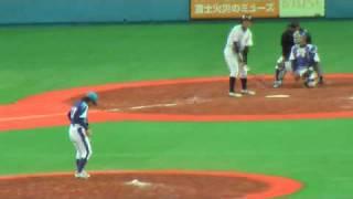 9回裏2人目で登板の吉田えり投手。