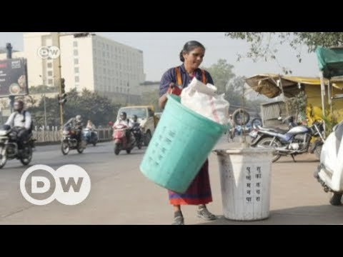 India waste pickers demand better working conditions | DW English