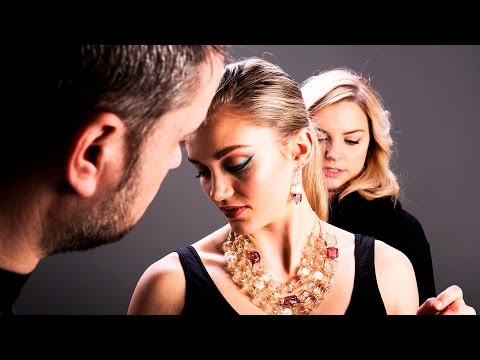 BEHIND THE SCENES JEWELRY PHOTO SHOOT: WORKING WITH A TEAM by THE MOVING ICON