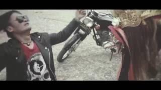 LOLOT BAND - BEDA TIPIS (OFFICIAL VIDEO CLIP) ALBUM MANUSA RAKSASA