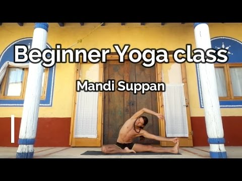 Full Yoga class to improve flexibility and body awareness.