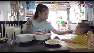 Single Mom Eating Delicious Rice Noodle Soup With Her Cute Baby | ỐC Family