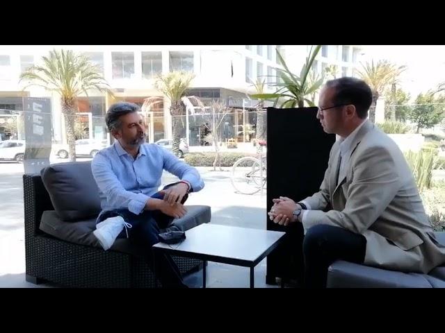 Sostuve una interesante charla con Roberto Esquivel