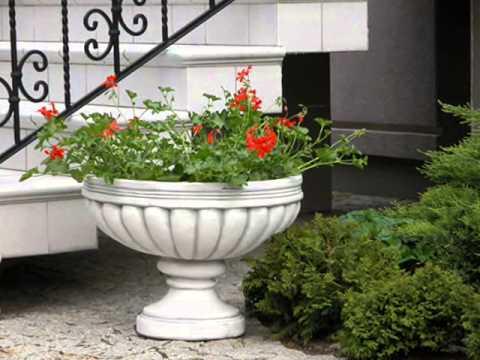 Шикарное украшение вашего сада - уличные вазоны для цветов
