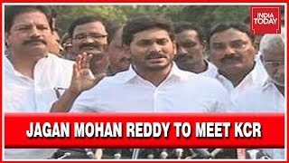 jagan-mohan-reddy-meet-kcr-hyderabad-invite-oath-ceremony
